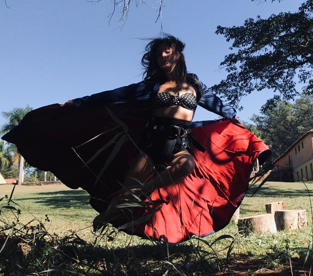 """Helena Cerello na divulgação de """"O Peso do Pássaro Morto"""". Fotos de Aurora Cerello"""