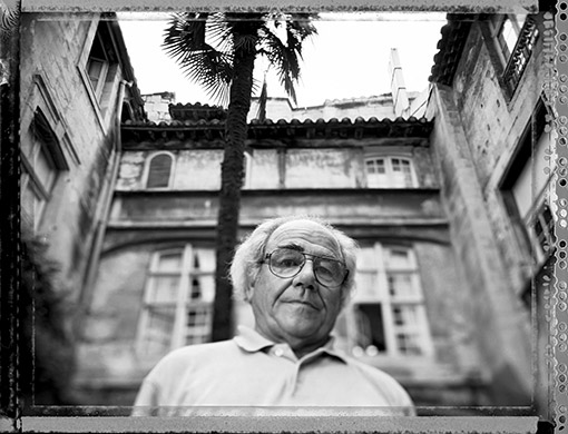 O sociólogo e filósofo francês Jean Baudrillard (1929-2007)