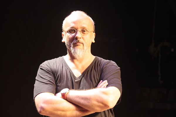 O diretor Gustavo Paso