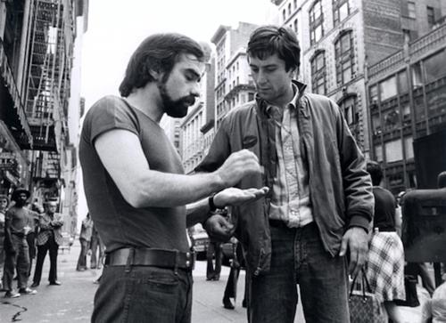 O jovem Scorsese orienta aquele que seria seu constante companheiro - Robert DeNiro