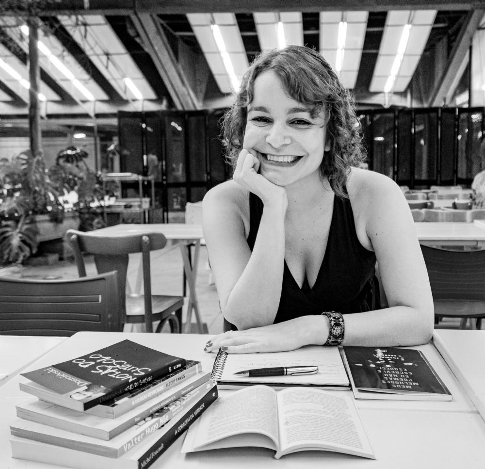 Flávia Andrade – autora e curadora. Mulher de artes