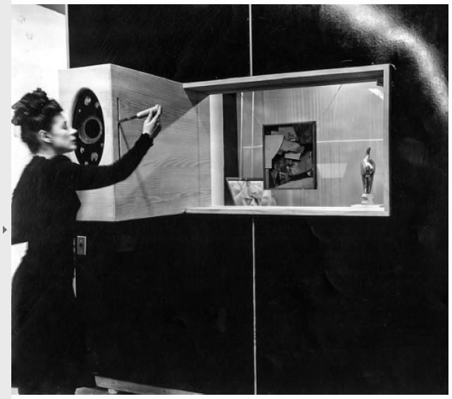 Fig 14. Caixa de Sombras, Galeria Cinética, The Art of This Century Fonte PHILLIPS, Stephen J. Elastic Ar- chitecture - Frederick Kiesler and De sign Research in the First Age of Ro- botic Culture. The MIT Press. London. 2017. p. 178