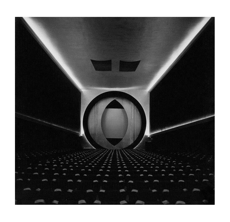 Fig 7. Film Guild Cinema, New York,1929 Fonte https://www.design-is-fine. org/post/158806418234/fried rich-kiesler-film-guild-cinema