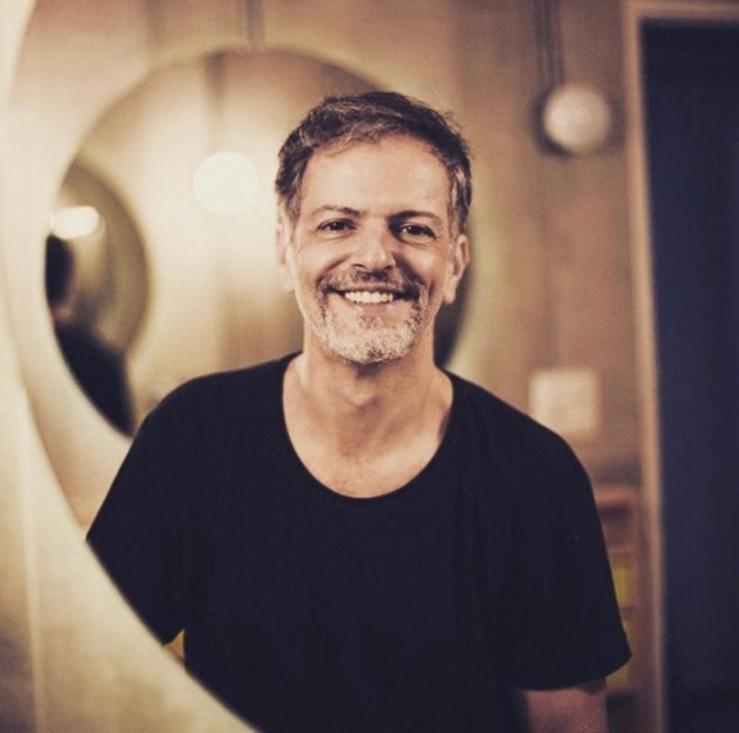 Ator, autor e diretor. Investigador e pesquisador do nosso teatro. Marcelo Varzea