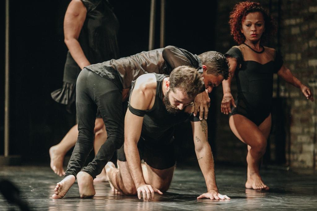 BANDO a dança que ninguém quer ver (2023) - Por Brunno Martins