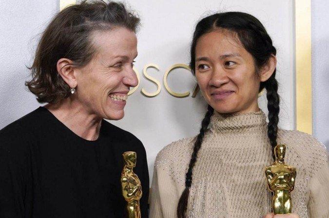 Chloé e Frances Mcdormand - momento de glória na recepção do Óscar
