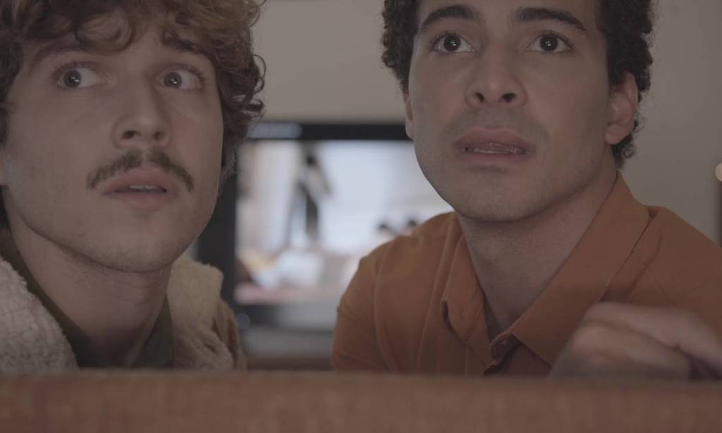 LuÍs Galves e Lucas Teixeira - In on It - destaque para o teatro online