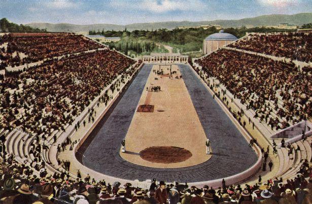 Estádio Olímpico em Atenas, 1986. Nenhuma mulher permitida