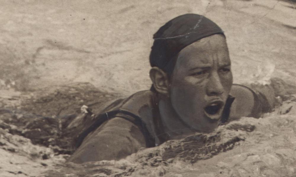 Maria Lenk, aos 17 anos: a única mulher da delegação brasileira nos jogos de Los Angeles-1932