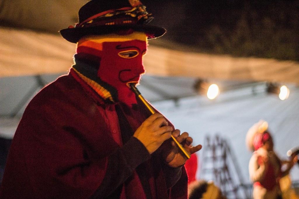 Cleiton pereira como figura de Encruzilhada no Festival E(s/x)tirpe - encontro Para Celebração e Rito 2018