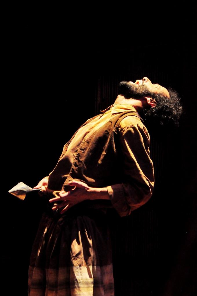 K-ique Calisto como Beatinho na obra O INCRIVEL HOMEM PELO AVESSO, obra dos Contadores de Mentira sobre o massacre de Canudos